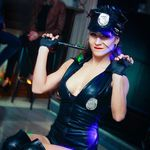 Police Open up 👮 Joke with striptease show - Photo 1